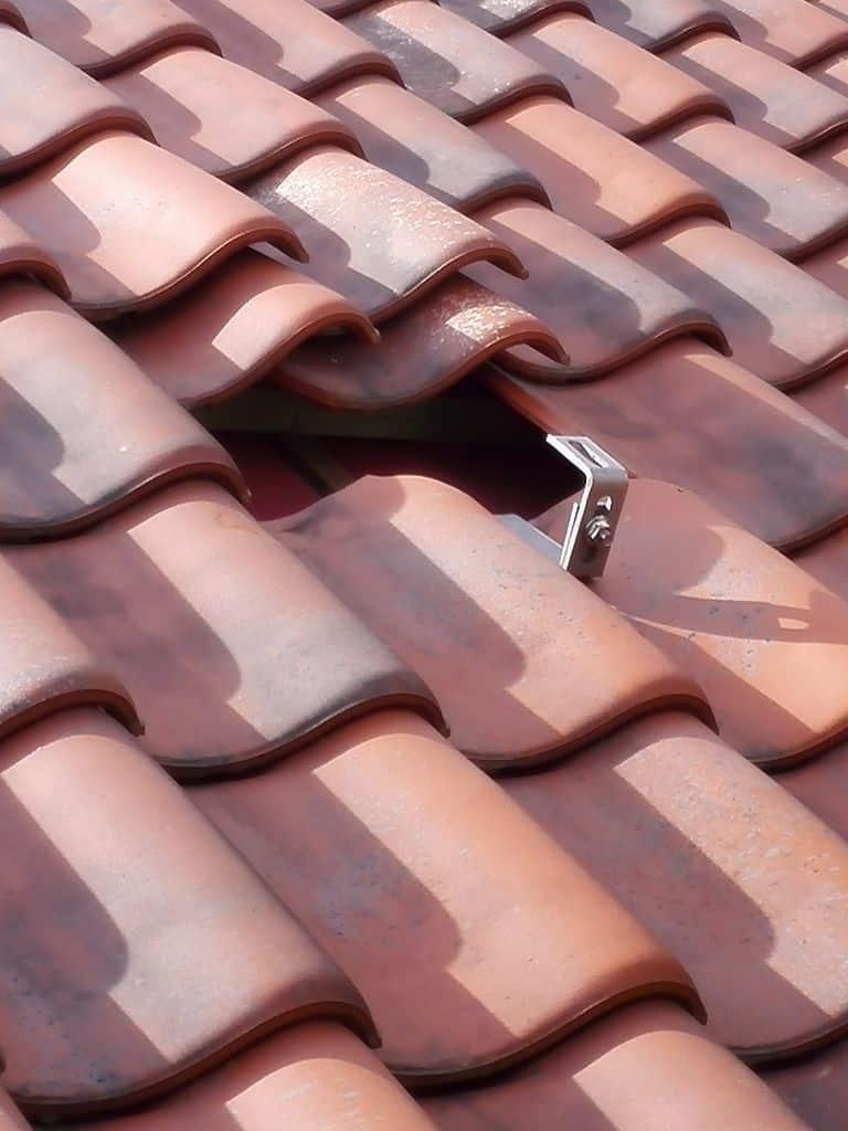 montage zonnepanelen op pannendak in Herentals