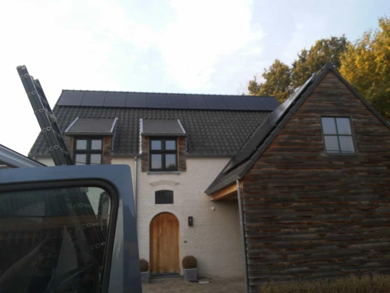zonnepanelen op pannendak in Meerhout