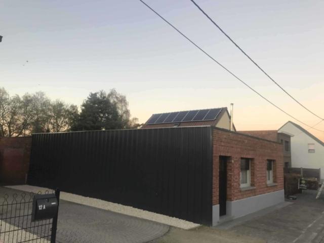 zonnepanelen op pannendak in Hallaar