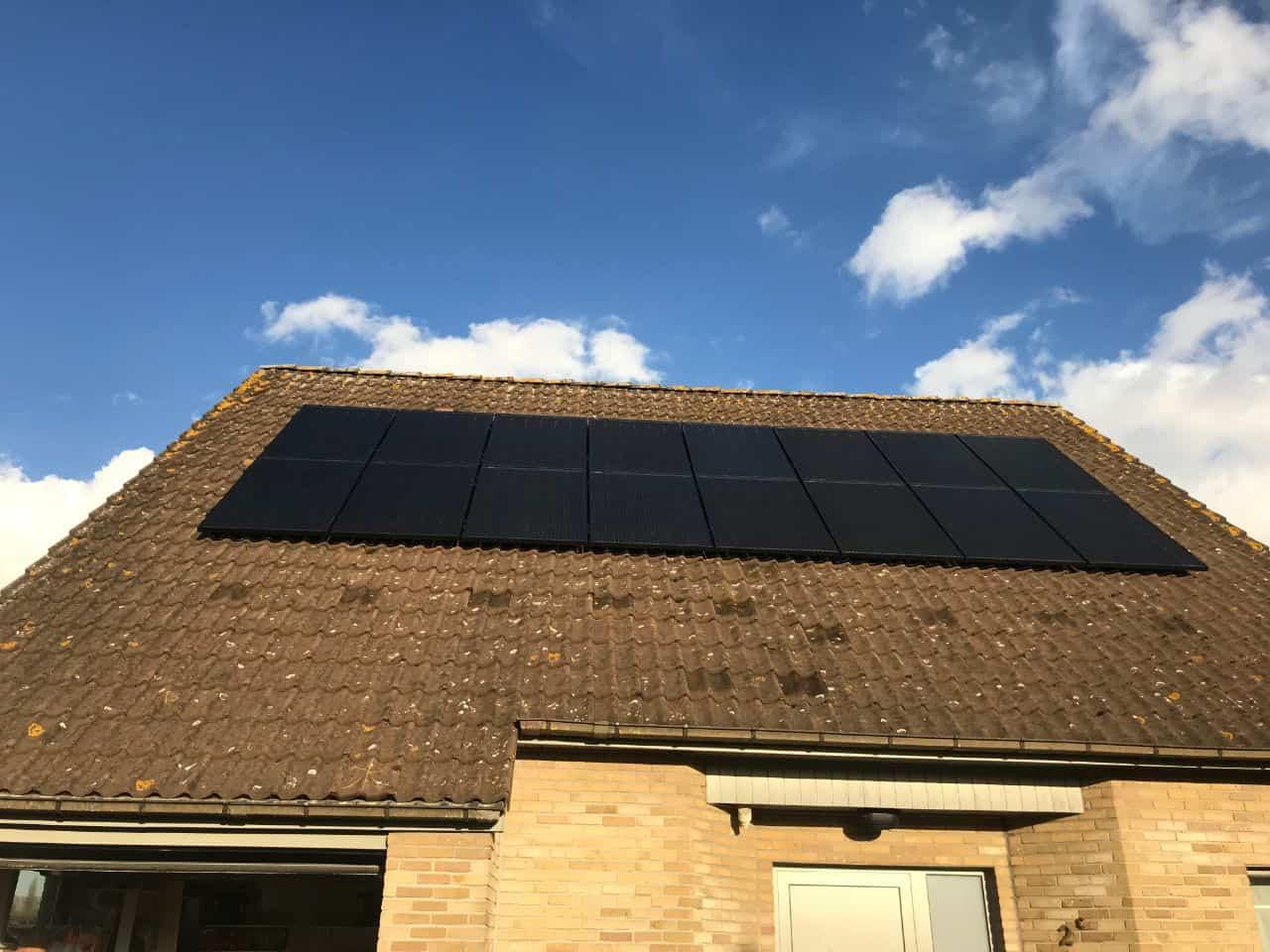 zonnepanelen op pannendak in Heindonk