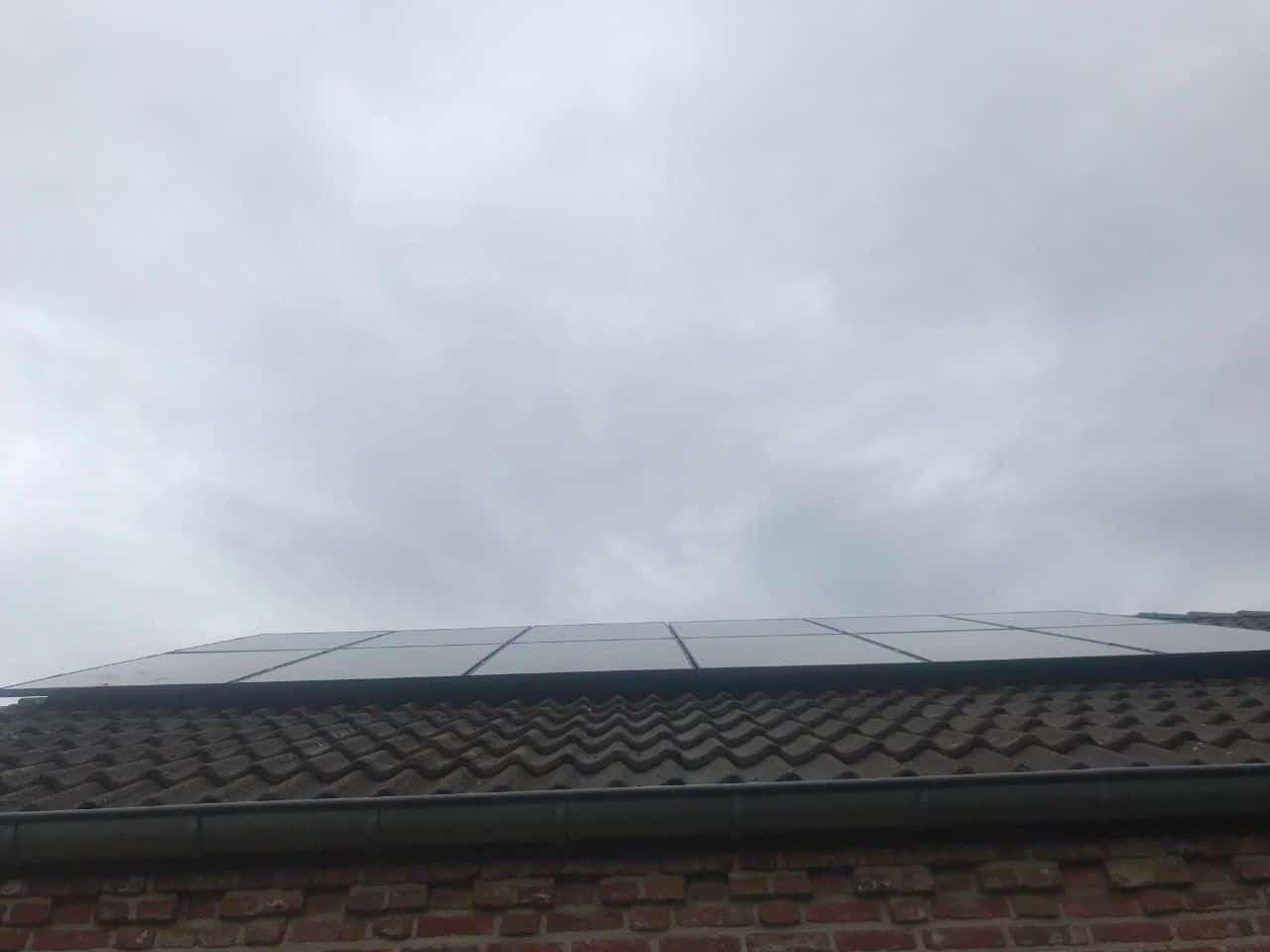 zonnepanelen glas-glas op pannendak in Retie