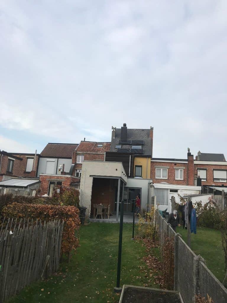zonnepanelen Lg op plat dak en leien in Lier